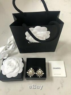 Brand New Large Chanel CC Crystal Pearl Huge Classic Stud Gold Earrings Receipt